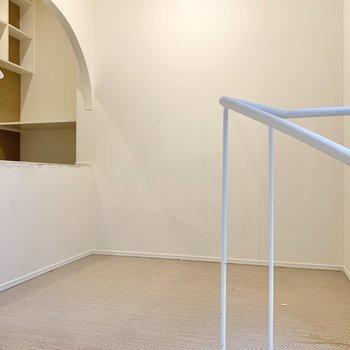 【2階】到着しました。奥のスペースがとっても気になります。※写真は前回募集時のものです