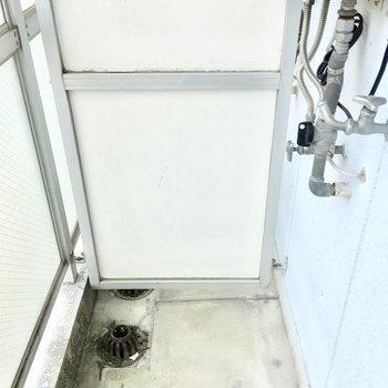 洗濯機置き場はバルコニーです、、
