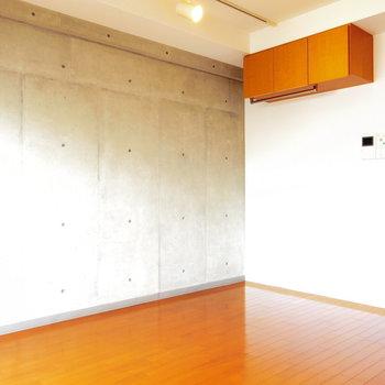 コンクリートがしびれる!※写真は10階の反転間取り別部屋のものです