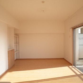 大きな家具も置けそうです。※写真は4階の反転間取り別部屋のものです。