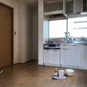 【工事前】キッチンの位置は変わりませんが、新品に交換◎