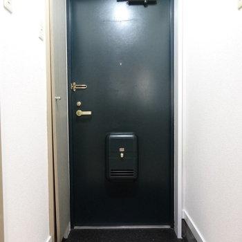 すっきりシンプルな玄関