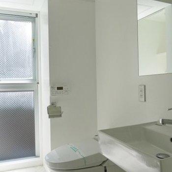 水回り・脱衣所もかねています※写真は同間取り別部屋のものです。