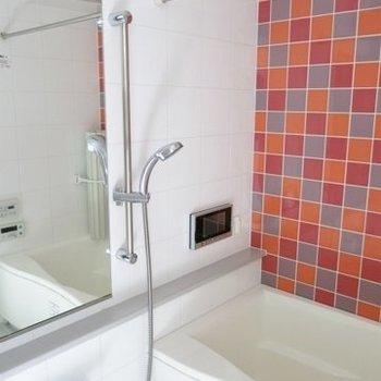 綺麗で広いお風呂。※写真は同間取り別部屋のものです。