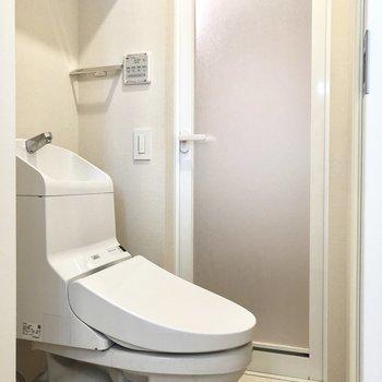 バス・トイレ別になっています。※写真は2階の同間取り別部屋のものです