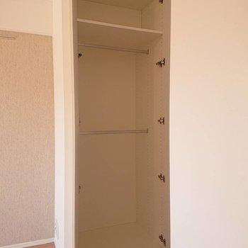 このサイズのものが奥にもう一つあります※写真は8階の反転間取り別部屋のものです