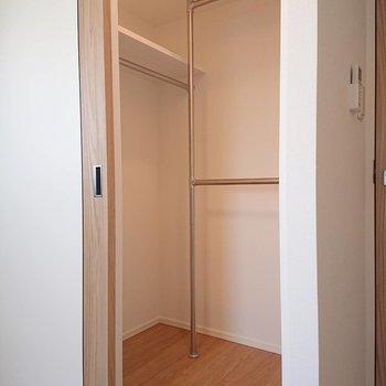 【5.7帖洋室】2人暮らしの場合少し足りないかも?