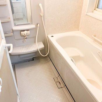 【工事前1F】大きな浴槽はそのまま、綺麗にします!