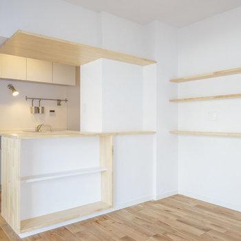 【イメージ】キッチンには写真のような収納付きのカウンターが!