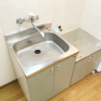 大きなシンクは洗い物のとき便利そう。