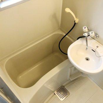 お風呂の時に歯も磨くと良いですね