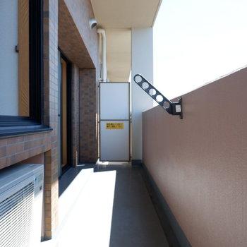 バルコニー広いですね!※写真は7階の似た間取り別部屋のものです