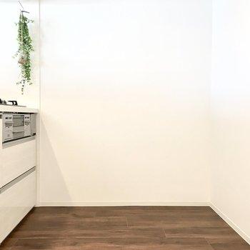 家電・キッチンボードのスペースもしっかりと。