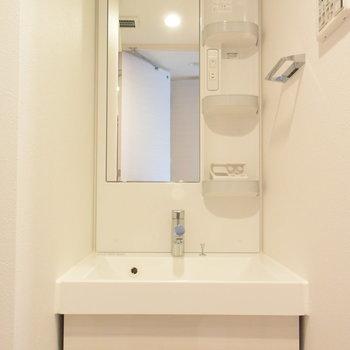 シンプルな洗面台が使いやすいんですよね