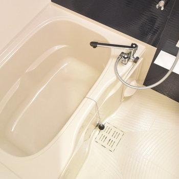 お風呂はコロンとまるい形