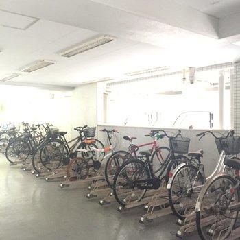 しっかり屋根付き。仕事場まで自転車で通っても良しですね。※写真は前回募集時のものです