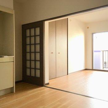 キッチンまで光が届くんです!※写真と文章は3階の反転間取り別部屋のものです