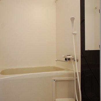 お風呂もいい感じ※写真は1階同間取り別部屋のものです