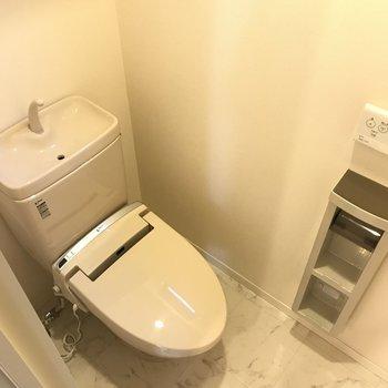 温水便座機能付きのトイレ※写真は前回募集時のものです