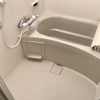 お風呂は浴室乾燥機&追焚付き!長風呂も雨の日のお洗濯もノンストレス◎