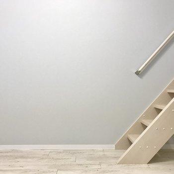 ロフトへの階段もしっかりとしているからスキップだってできちゃう♩(?)