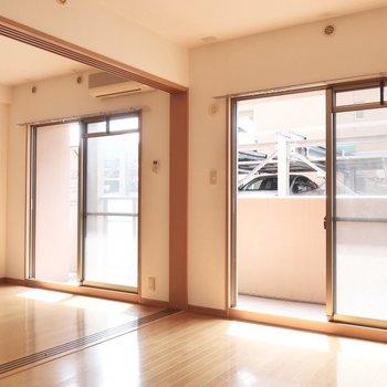 清々しい1日の始まりだね♪※写真は2階の反転間取り別部屋、清掃前のものです
