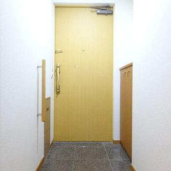 玄関は大理石調で居心地良し。(※写真は前回掲載時のものです。)