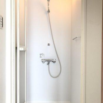 浴室はシャワーになっています