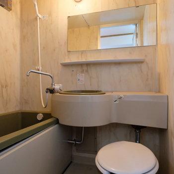 【工事前】バストイレ別になりますよ!