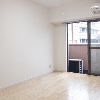 【LDK】シンプルな家具で揃えたいな〜