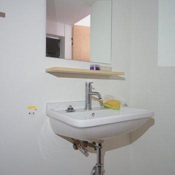 洗面台はシンプルです※写真は前回募集時のものです