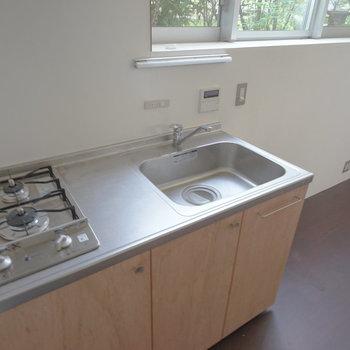キッチンは2口ガス!※写真は前回募集時のものです