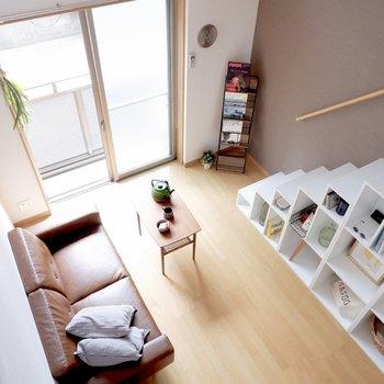 ロフトからは結構な高さあります。※家具はサンプルです