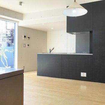 【LD10.2帖】キッチンは黒色でかっこよく