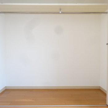 クローゼットはしっかり大きめです。※写真は7階の同間取り別部屋のものです