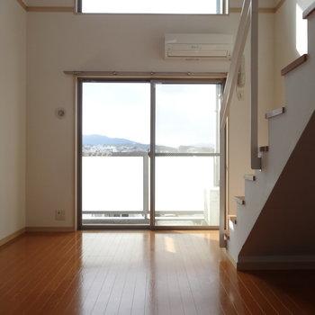 1階にはリビングと水回り。※写真は7階の同間取り別部屋のものです