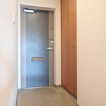 玄関は段差が低いので、小さなお子さんに優しいですね。