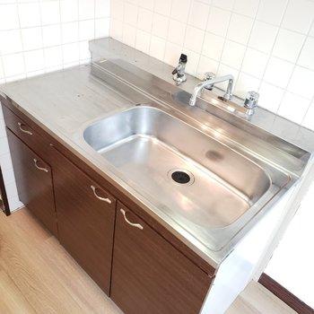 洗い場が広々としたキッチンです。今日はなに作ろうかな〜♪