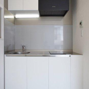 スマートなキッチン◎。※写真は201号室のもの