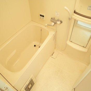 お風呂はお湯張り機能付きです!※写真は8階の同間取り別部屋のものです