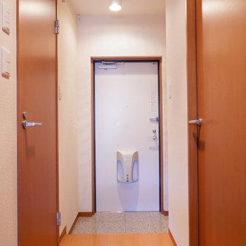 廊下も広めなので、家具も搬入しやすそうですよ。