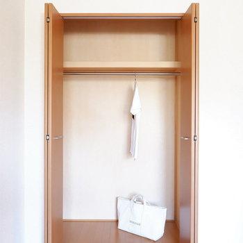 【洋室5.7帖】ボックス収納を用意してわかりやすく分別。※家具はサンプルです
