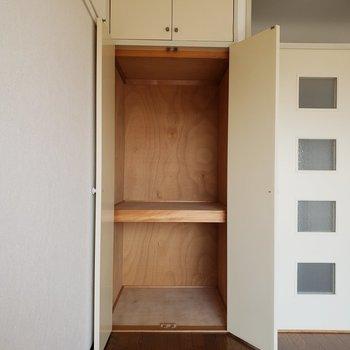 上まで収納、たくさん入ります。※写真は3階同間取り別部屋のものです