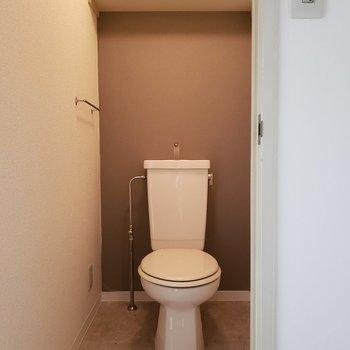 トイレ個室です。※写真は3階同間取り別部屋のものです