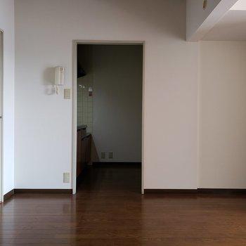 ごはんはみんなで食べたいね。※写真は3階同間取り別部屋のものです