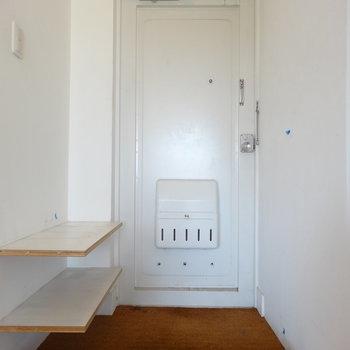 玄関はみせる収納で!※写真は3階の同間取り別部屋のものです。