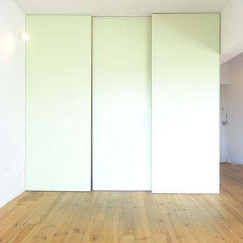 淡いグリーンが素敵 ※写真は3階の同間取り別部屋のものです。