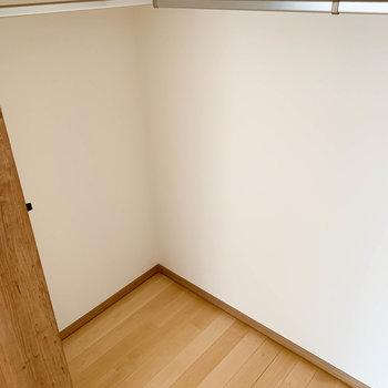 【洋室7.3帖】扉奥に広がってます。