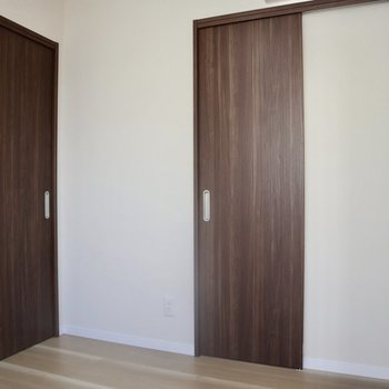 【3F】左の扉から入ってきました。右の扉を開けると、、