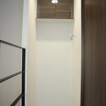【3F】収納棚の位置は高め。